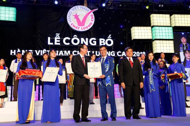Nhựa Bình Minh vinh dự nhận danh hiệu Hàng Việt Nam chất lượng cao năm 2018